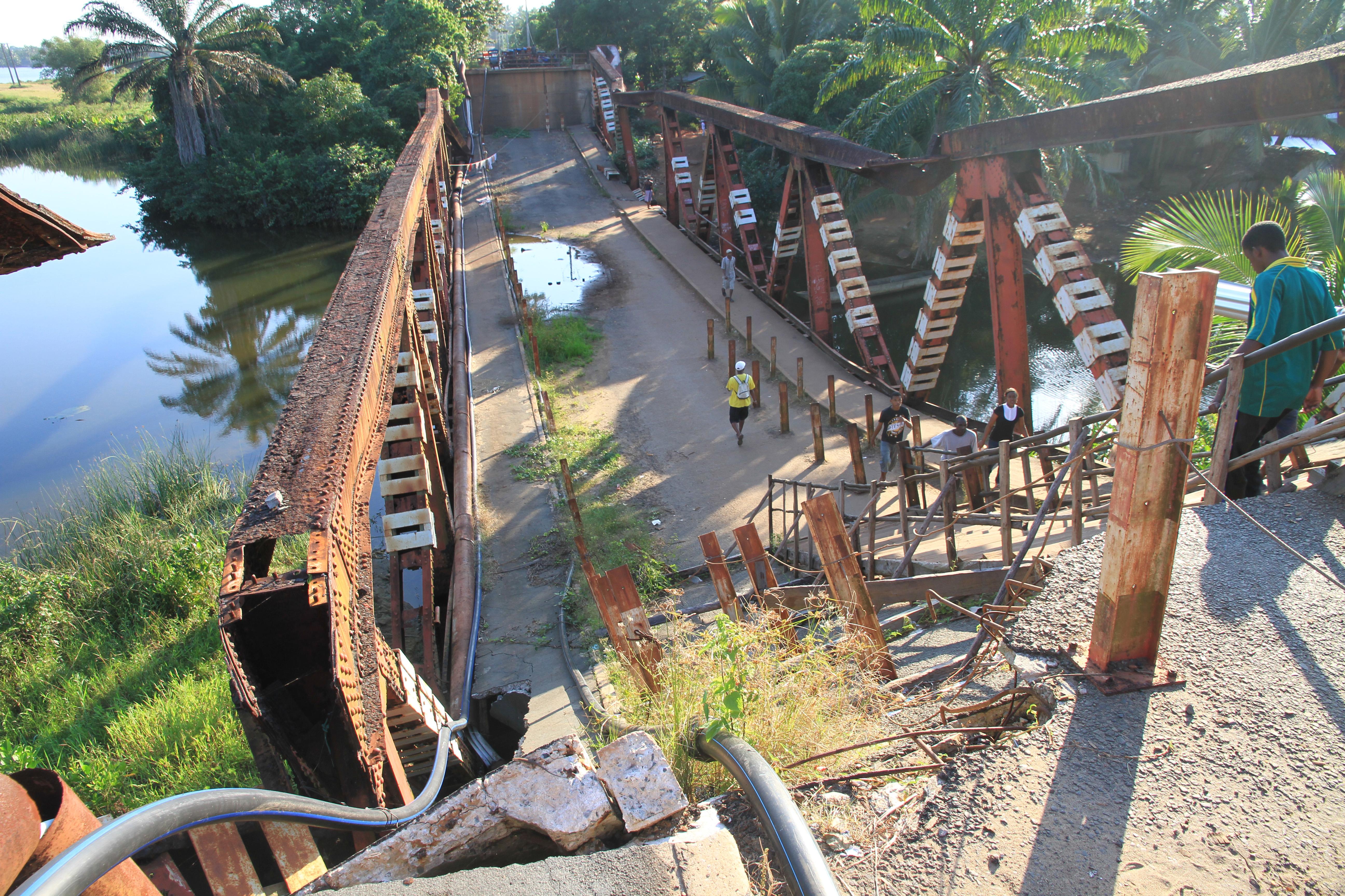 Manakara - alte Brücke